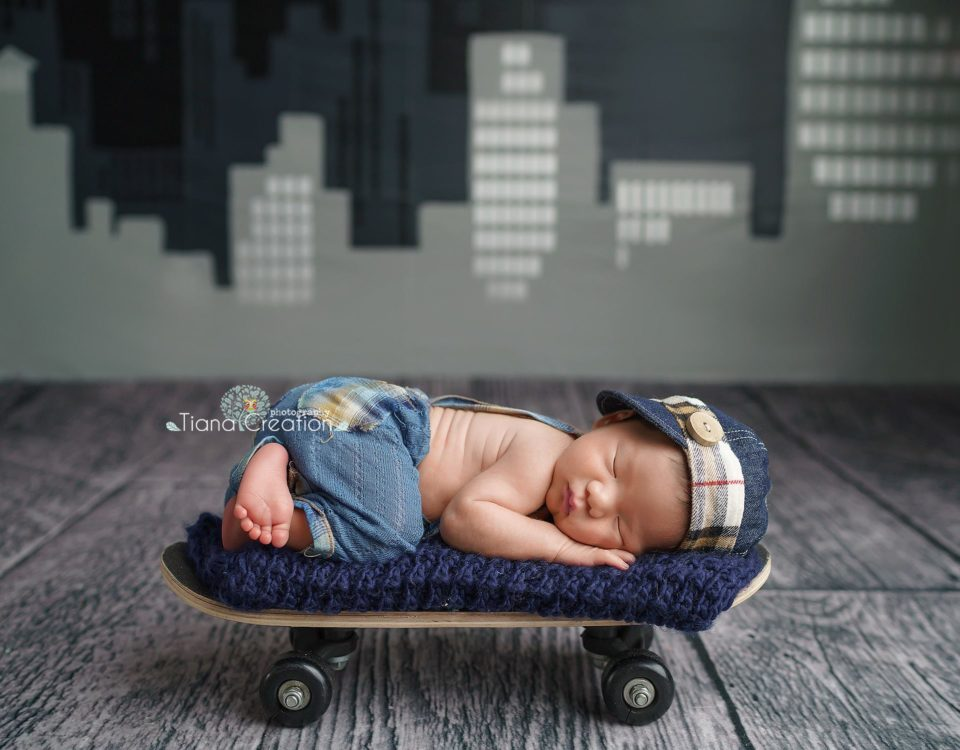 July 29, 2018 | By: TianaCreation Photography Newborn Photography in Woodland Hills Little future skateboarder, baby Adrian Newborn Session by Tiana Creation photography
