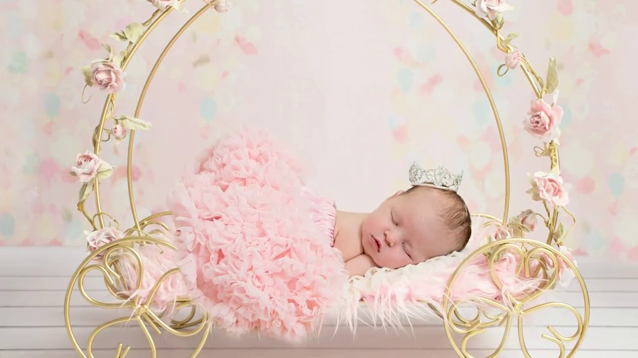 Using Digital Backdrops In Photoshop Newborn Photography Editing Realistic Look At Https Tianacreation Com Tiana Creation Newborn Photography